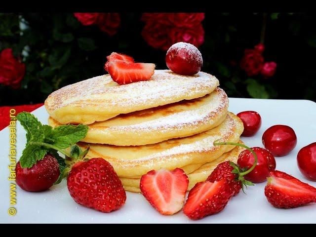 Rețetă desert: Pancakes fără zahăr (video)