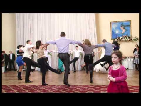 Ansamblul Moldoviţa la nunta lui Sergiu şi Irina