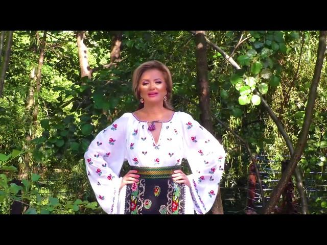 Roberta Crintea - Stau sub marul înflorit