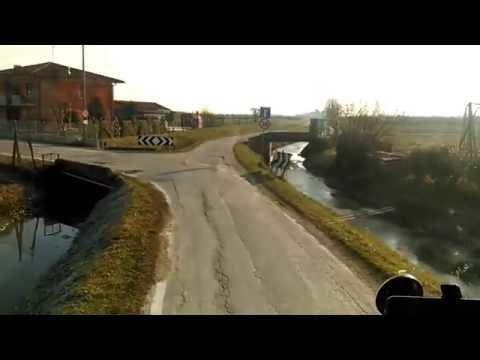 Şofer de tir a mers cu spatele 1km
