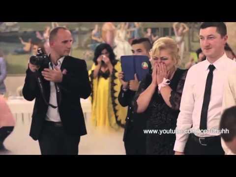 Cel mai emoţionant DANS al MIRILOR, la o nuntă din România