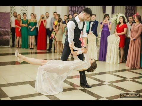 Cel mai frumos dans al mirilor care l-am văzut vreodată